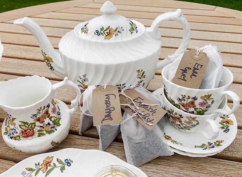 Tea set and tea bags