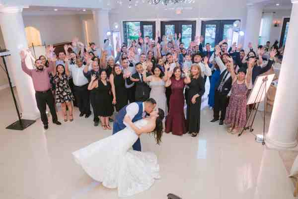 Guests celebrate couple at Thistlewood manor & gardens wedding