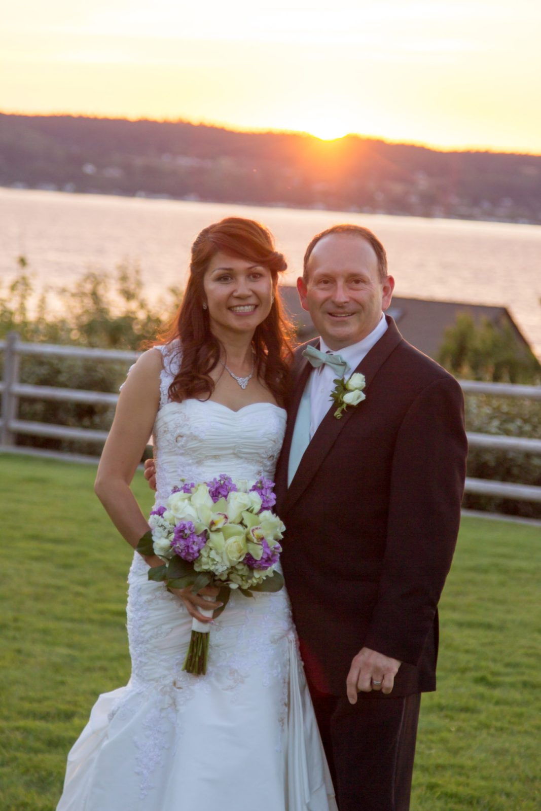 Mukilteo Lighthouse Wedding jn8 447 MUKILTEO LIGHTHOUSE WEDDING | MUKILTEO WEDDING PHOTOGRAPHER