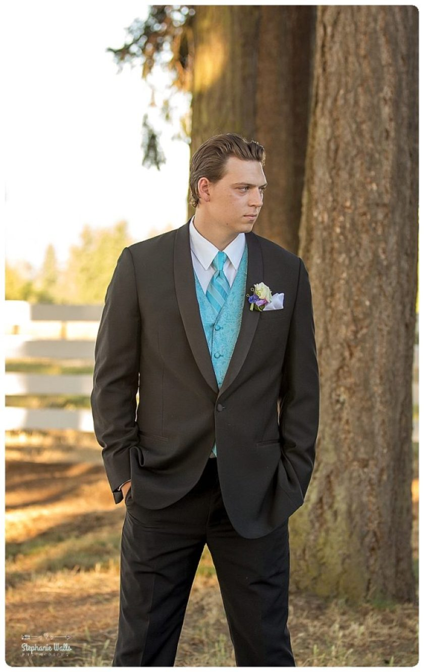 2015 12 22 0015 Enumclaw Private Backyard Wedding | Enumclaw Wedding Photographer