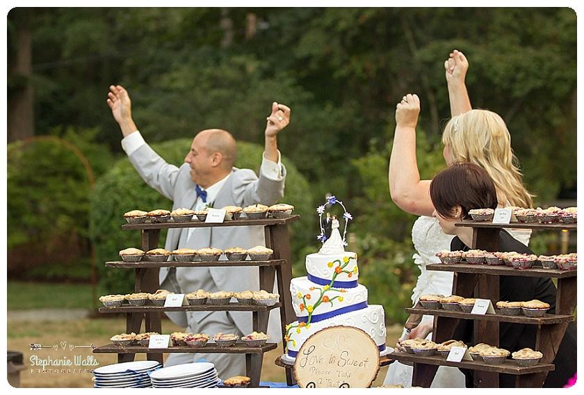 2015 12 29 0023 WEDDING WINE BACKYARD WEDDING   WOODINVILLE WEDDING PHOTOGRAPHER