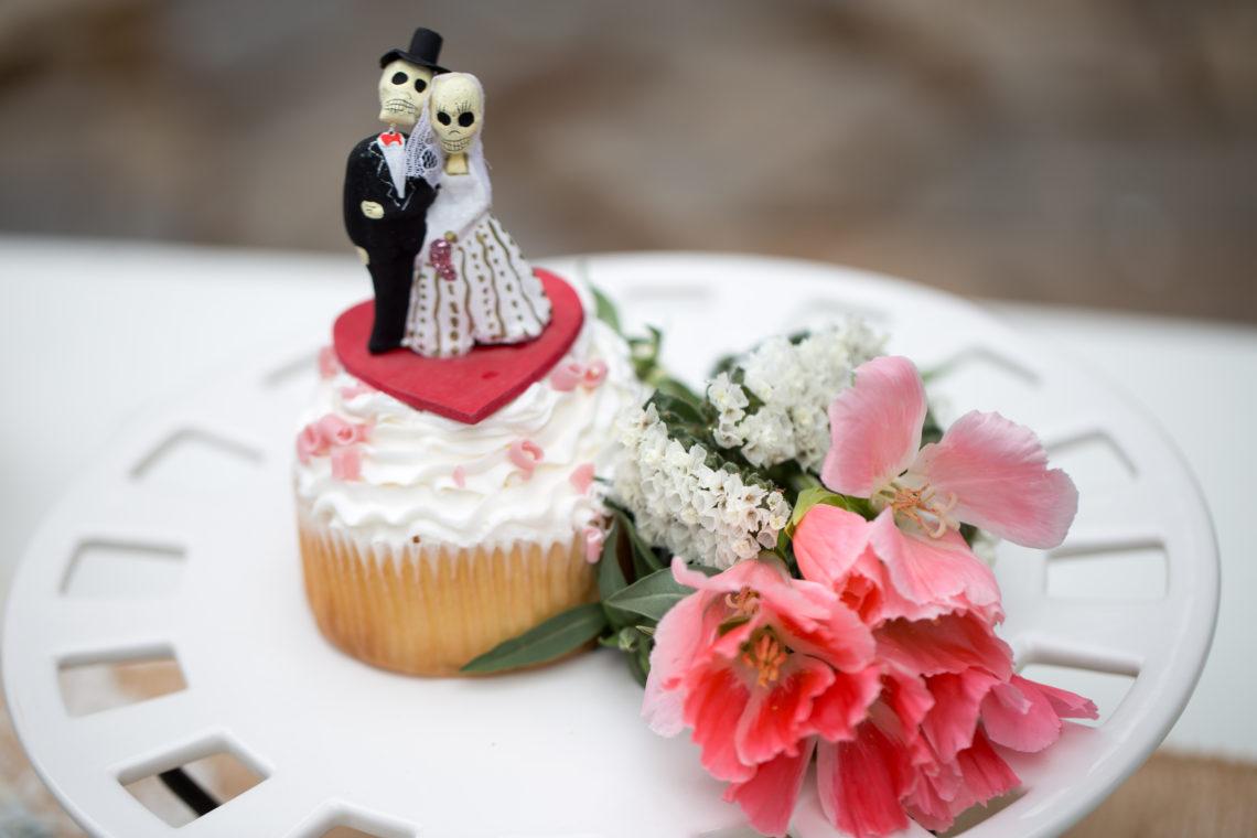 Cruz Reception Cake 121 WOODINVILLE BACKYARD POOL WEDDING | WOODINVILLE WEDDING PHOTOGRAPHER