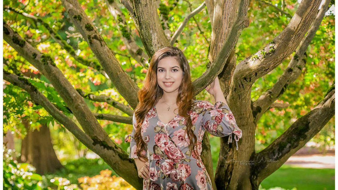 Elizabeth Co2019 | Evergreen Arboretum & Gardens | Mariner High School Senior Photographer