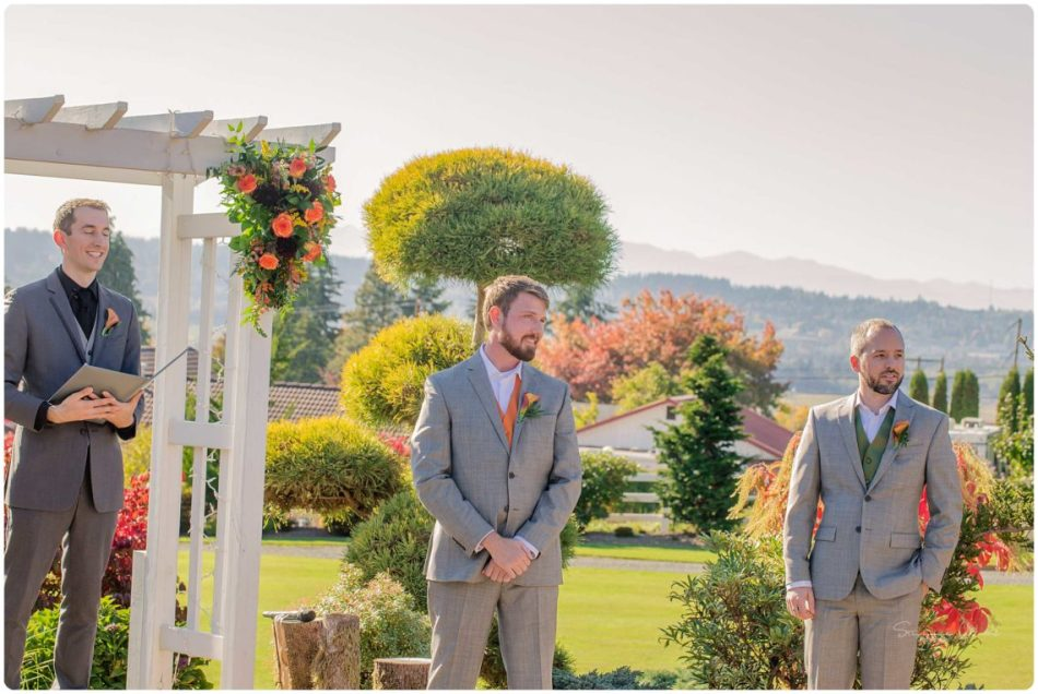 Mingling Ceremony 063 950x636 Autumn Love | Olympic View Estates Wedding | Lake Stevens Wedding Photographer