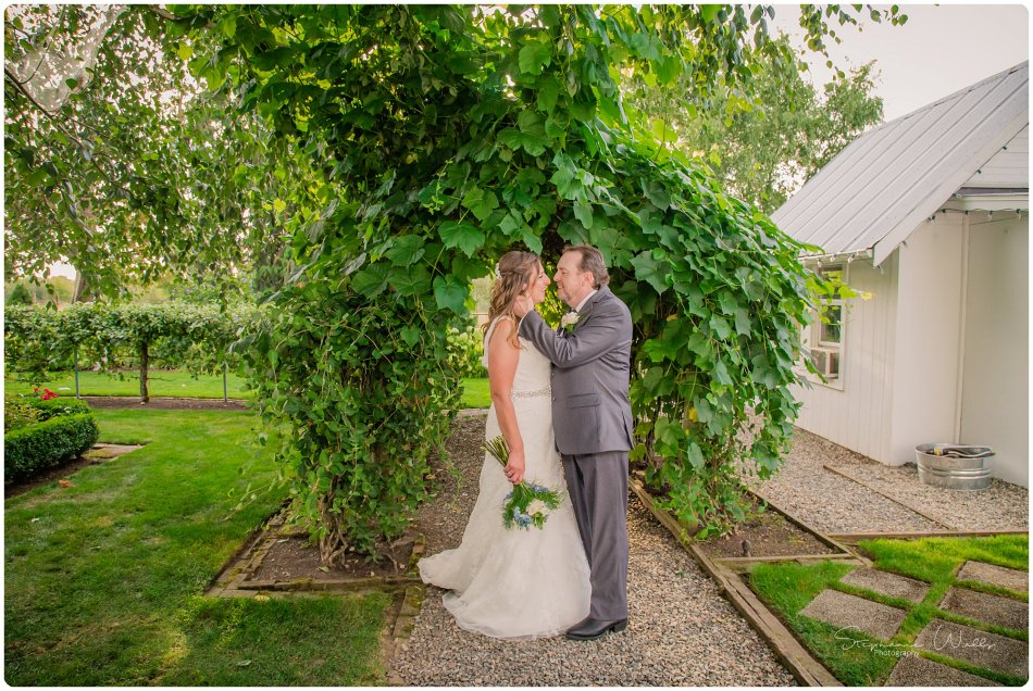 Stephanie Walls Photography 0154 950x636 Genesis Farms and Gardens Wedding of Kelli and Quintin