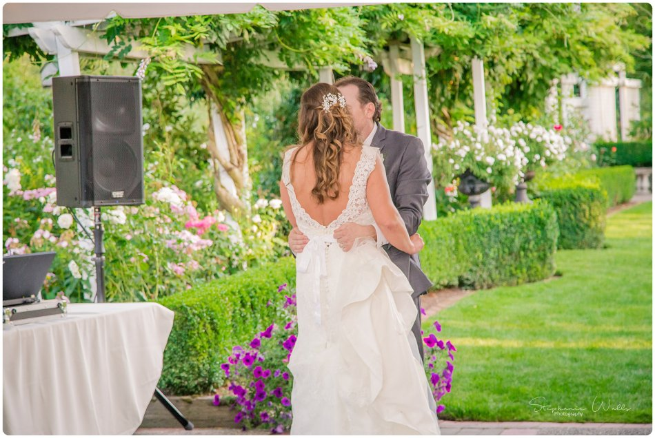 Stephanie Walls Photography 0172 950x636 Genesis Farms and Gardens Wedding of Kelli and Quintin