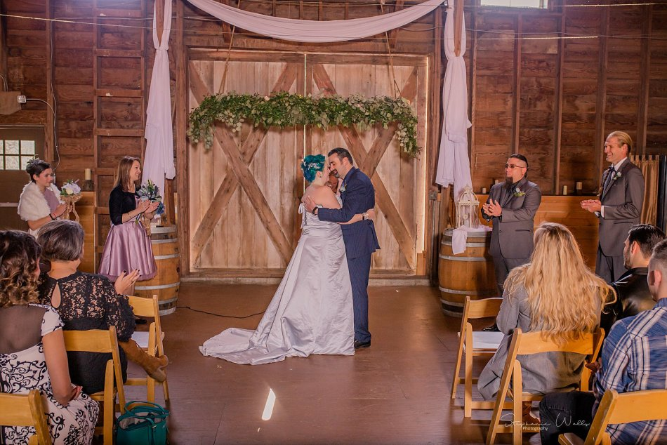 Stephanie Walls Photography 0355 1 950x634 Solstice Barn at Holly Farms Elopement of Ashley and Jordan