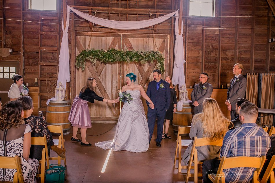Stephanie Walls Photography 0356 950x633 Solstice Barn at Holly Farms Elopement of Ashley and Jordan
