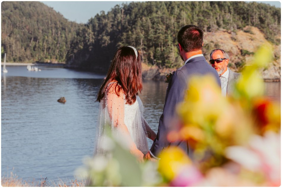 Stephanie Walls Photography 1206 950x636 Summer Deception Pass Elopement at Rosario Beach | Jacinda & Trevor