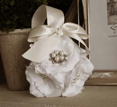 Wedding Invitation 1602 White Gold Cream Lace