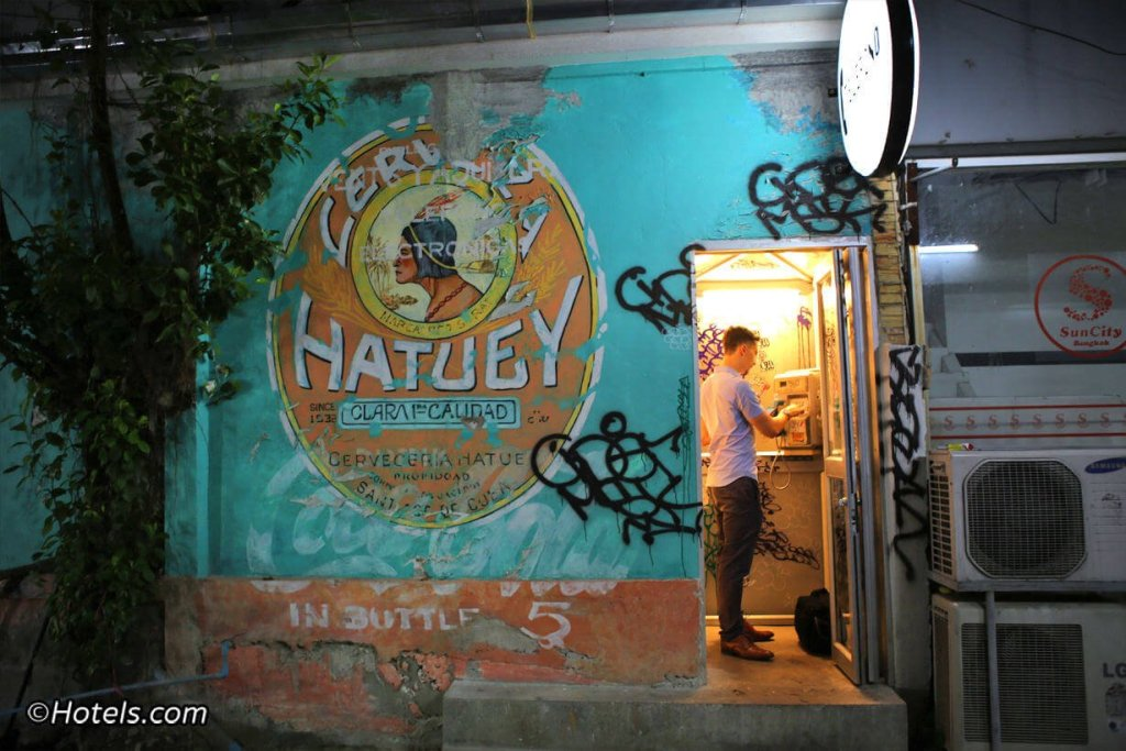 Havana Social, one of the best speakeasy bars in Bangkok