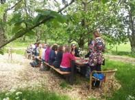 Speechen aan de boomstamtafel