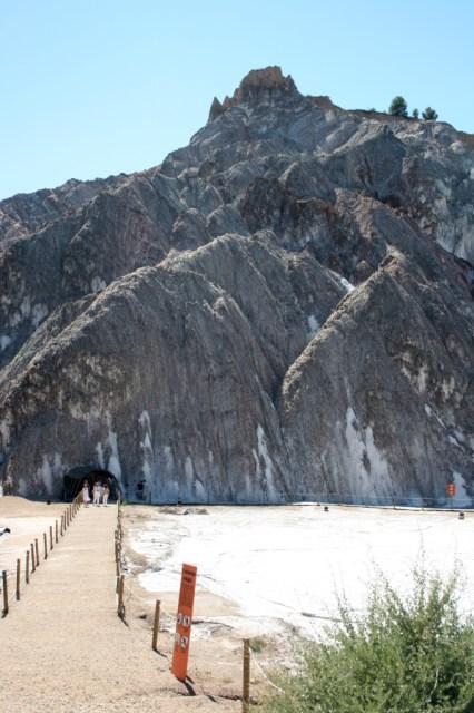 The entrance to La Muntanya de Sal.