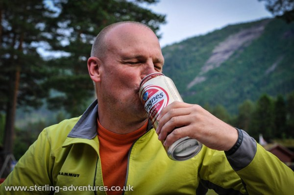 Richard enjoys a cold 1 litre beer!  :yum: