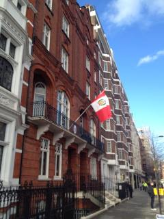 The Peruvian Consulate in the posh part of town - Knightsbridge