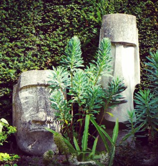Maoi sculptures