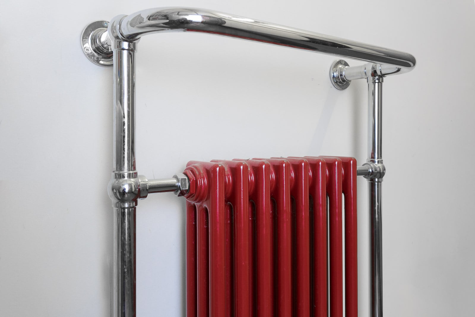 combined-towel-rail-and-victorian-style-red-radiator