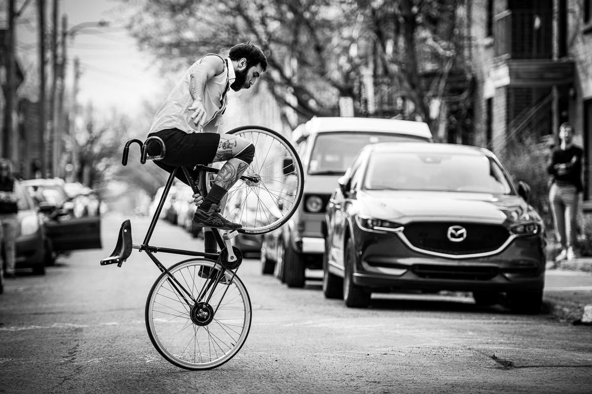 francis gadboit vélo montréal cirque performance circarsienne d'urgence