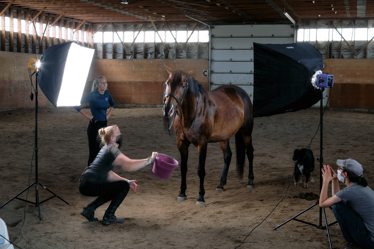 behind the scene photoshoot cheval