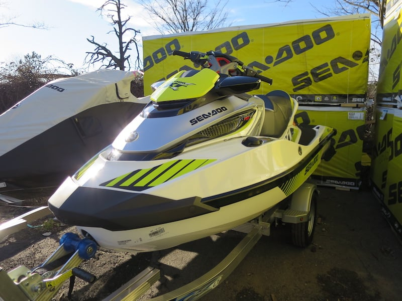 weight of rxt-x Sea-Doo