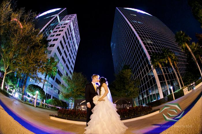 310 Lakeside Wedding Photographers  Downtown Orlando Weddings  Lake Eola Wedding Photography