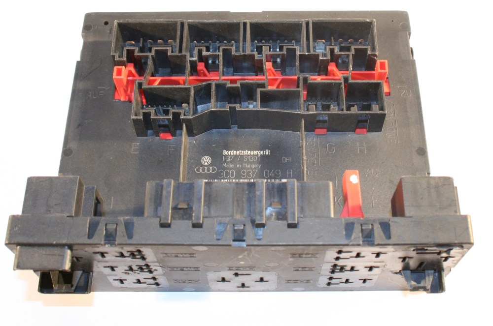 medium resolution of vw passat central locking control module fuse box 14 99