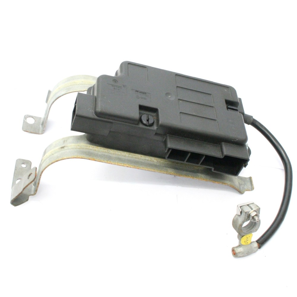 medium resolution of vw eos clip on battery distribution board fuse box 39 99