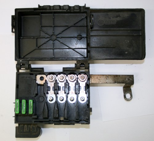 small resolution of vw golf vw golf mk4 fuse box on top of battery 4 wire type 1j0 937 550 m 14 99