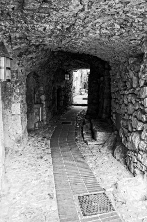 Narrow passageway in Eze.