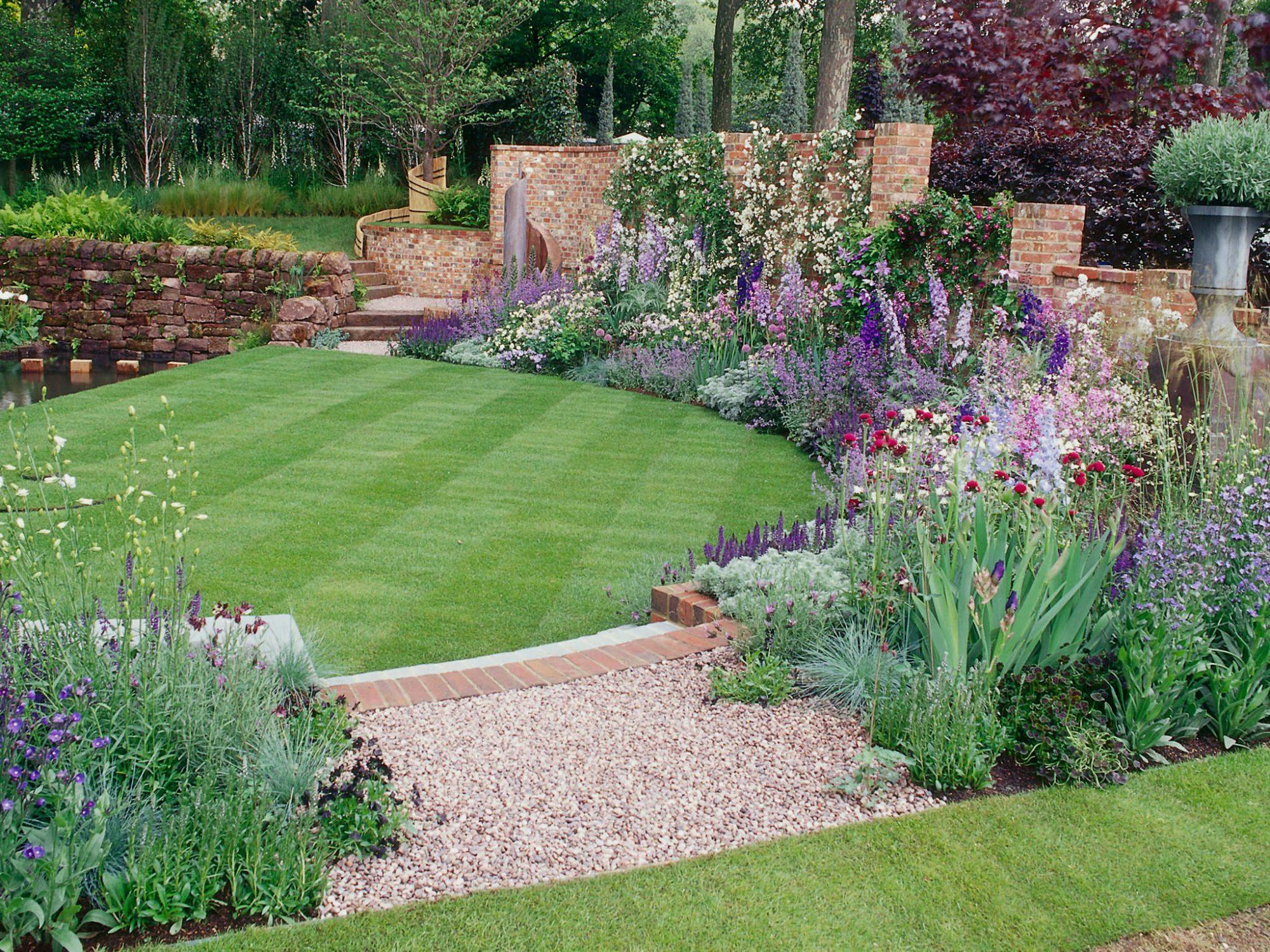 25 Simple Backyard Landscaping Ideas