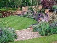 25 Simple Backyard Landscaping Ideas - Interior Design ...