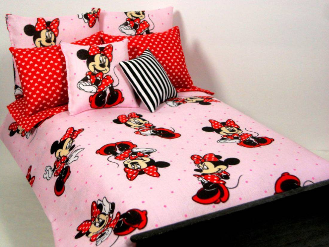 minnie mouse table and chair set canada pipeless pedicure funny toddler bedding for kids interior