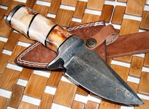 Damascus-steel-knives---hunting-and-collectors-knives-3585