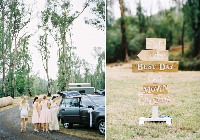 wedding signs and details at wedding ceremony