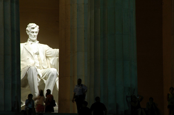 Rule of Thirds: Lincoln Memorial, Washington, D. C.  © Scott Thomas Photography