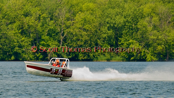 "The Jersey Skiff JS-65 seen ""flying"" over Onondaga Lake during Syracuse Hyrdofest on Sunday, June 20, 2010."