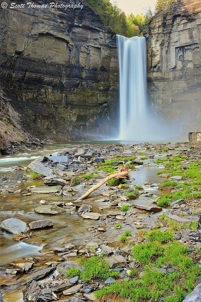 Taughannock Falls State Park near Ithaca, New York using a 3-stop (0.9) Neutral Density filter.