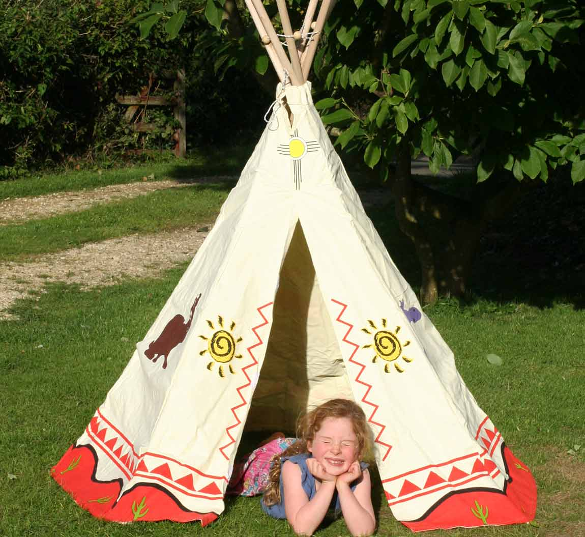 Christmas giveaways. Win a teepee tent