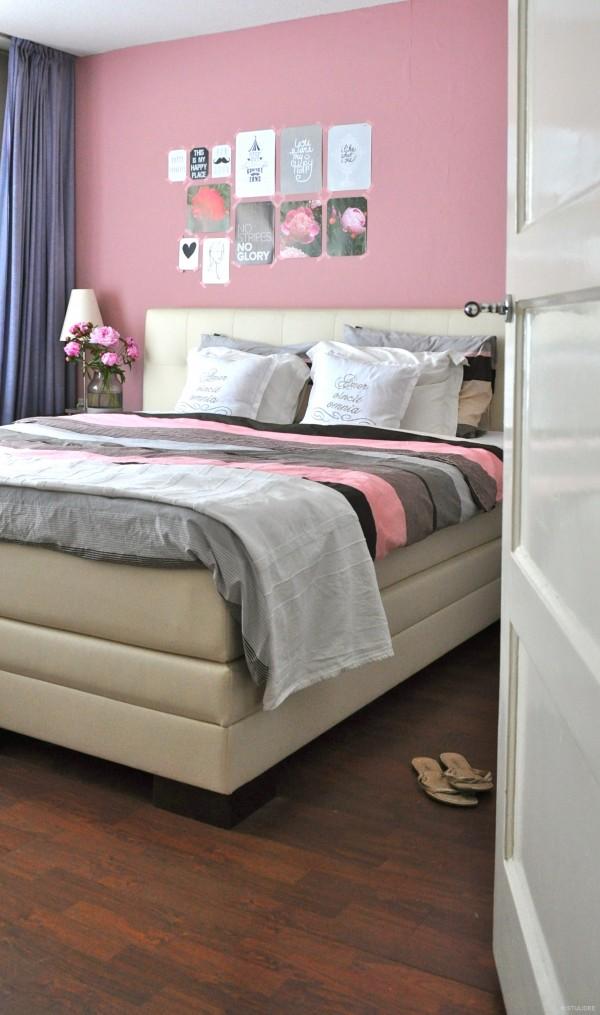 Binnenkijken  in een modern romantische slaapkamer met