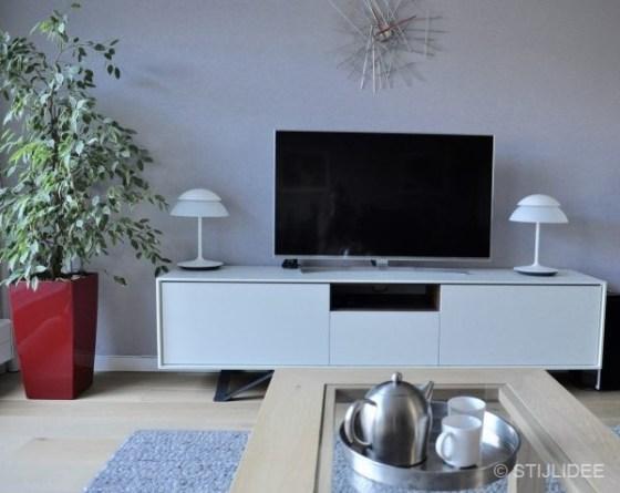 Binnenkijken in ... een woonkamer en keuken in moderne design stijl in Leidsche Rijn na STIJLIDEE Interieuradvies, Kleuradvies en Styling
