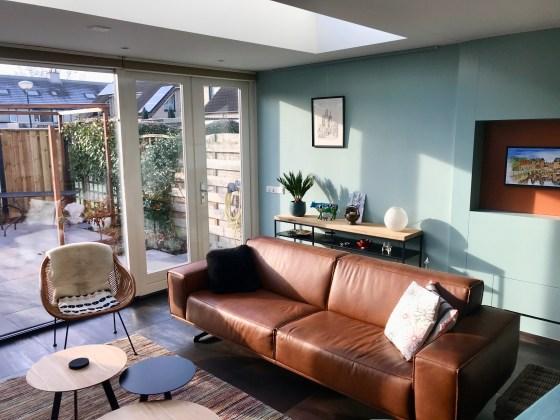 Binnenkijken in ... een woonkamer met natuurstenen vloer in Leusden na STIJLIDEE Interieuradvies en Styling