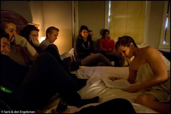 Stijlmagazine-Anouk Janssen-in bed with simone