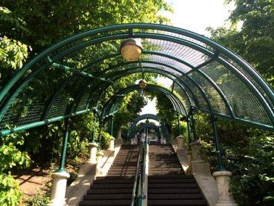 parc-belleville-trappen