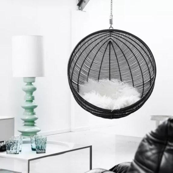 Interieur | Over schapenvacht kleden en 'knuffeldrang' sierkussens - www.stijlvolstyling.com