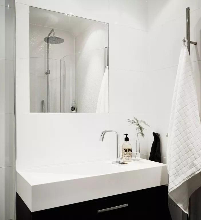 Binnenkijken | Zweeds appartement volgens de laatste woontrends - #woonblog www.stijlvolstyling.com