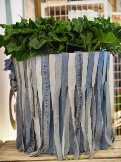 Interieur | Styling met jeans & groen - woontrend - www.stijlvolstyling.com - Woonblog