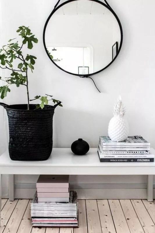 Mand en plant - #woonblog Stijlvol Styling www.stijlvolstyling.com