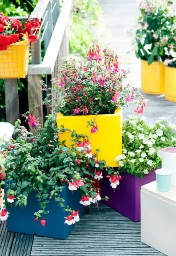 Buitenleven   Fuchsia = feestelijke Balkonplant van 2015 - Stijlvol Styling woonblog www.stijlvolstyling.com