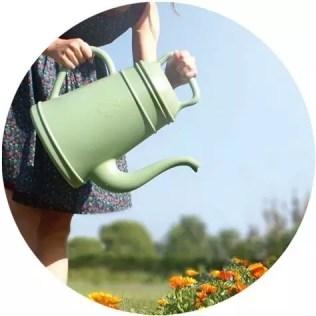 Buitenleven | Tips voor het water geven van tuinplanten - Stijlvol Styling woonblog www.stijlvolstyling.com