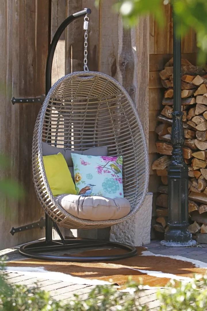 Buitenleven | Inrichten & genieten van de lente tuin (#lentetuin - Spring garden) Woonblog StijlvolStyling.com